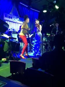 Violinist_Roswitha_Maya_Azucena_Live_Blue_Note_NYC_2014
